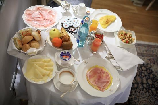 Il Sogno di Giulietta: Splendid in room breakfast.