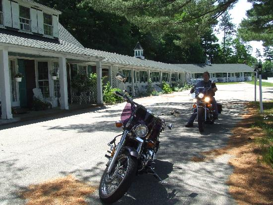 White Trellis Motel: Motorcycle Friendly