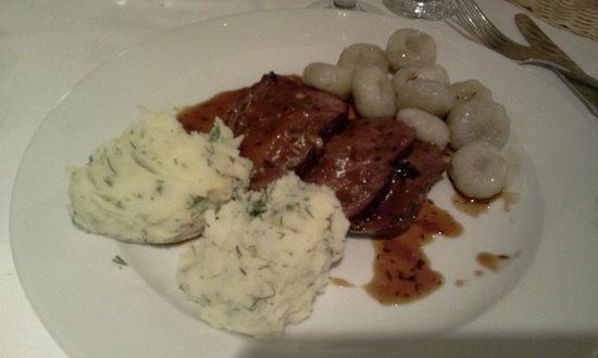 Restauracja U Kucharzy: roast ham in wine sauce