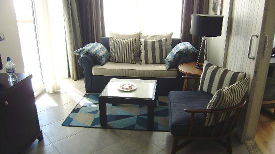 Xanadu Island: lounge area
