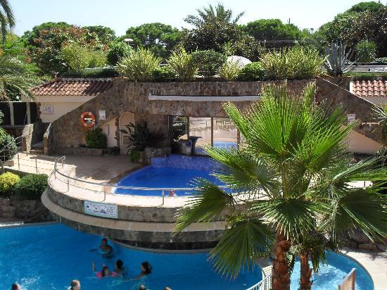 Sumus Hotel Monteplaya: pool area