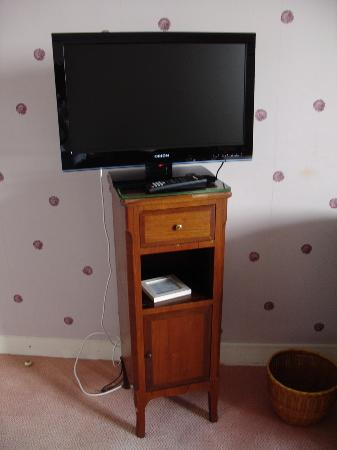 Hôtel les Goëlands : détail mobilier et emplacement TV