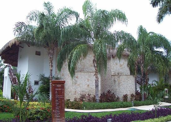 Grand Riviera Princess All Suites Resort & Spa: Laguna Villa - four units per villa