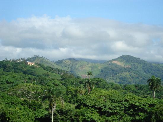 Luxury Bahia Principe Ambar Blue: The Dominican country on our way to Zip Lines