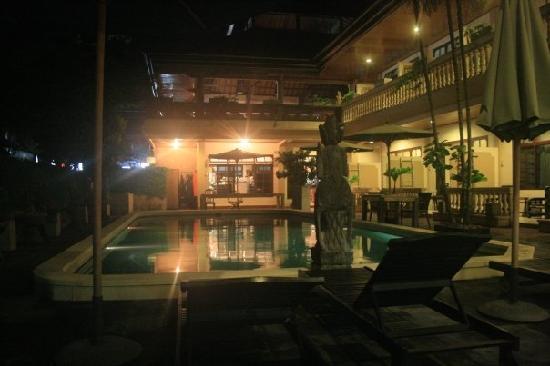 Santai Hotel: från vårt rum på kvällen, mysigt!