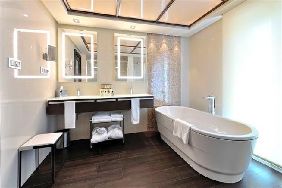 Vincci Selección Aleysa Hotel Boutique & Spa: Bathroom