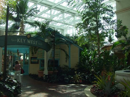 Gaylord Palms Resort & Convention Center: Atrium/Key West