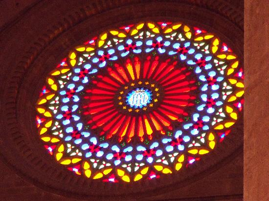 Catedral de Mallorca: stained glass on west side