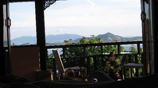 โรงแรมแซนดอลวู้ด ลักซูรี่ วิลล่า: Plumeria Villa - view from bed (pics don't do it justice!)