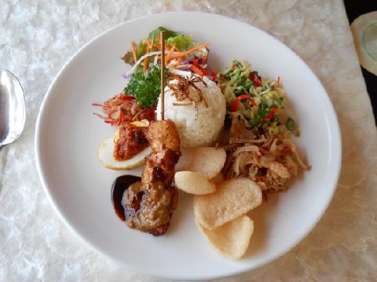 Spa Village Resort Tembok Bali: More Delicous Food