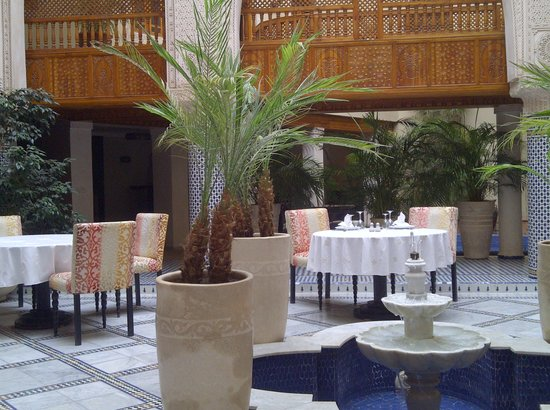 Riad Andalib: patio