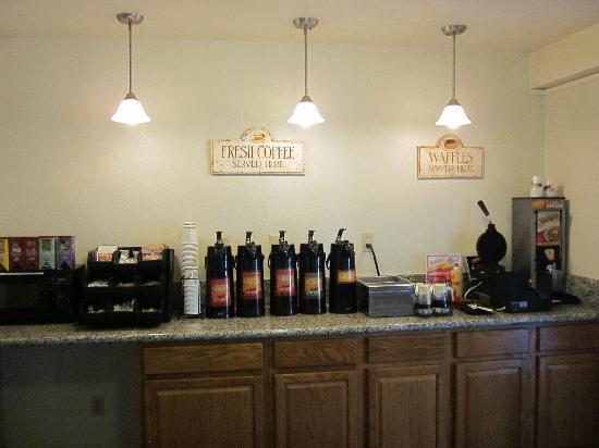 Best Western Trailside Inn: Breakfast room