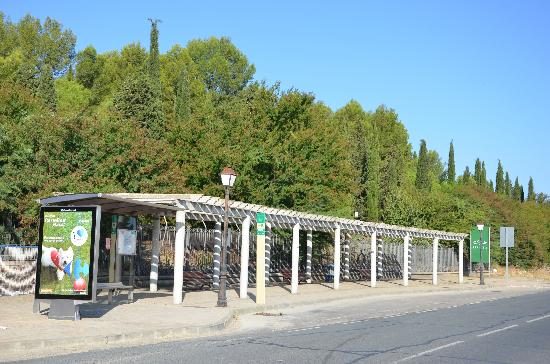 Hotel Anfiteatro Romano: Bus stop for town.