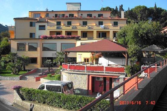 vestido Paisaje suspicaz  Hotel la perla del golfo à procchio - Picture of Hotel la perla del golfo,  Procchio - Tripadvisor