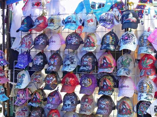 Plaza Gertrudis Bocanegra: Market - the Cap Man