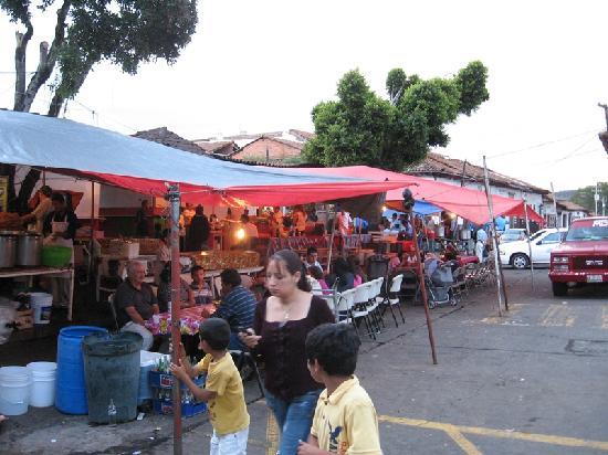 Plaza Gertrudis Bocanegra: Street Food Stands