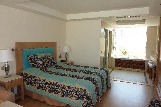 โรงแรมนอสซอสบีชบังกาโลว์สแอนด์สวีทส์: la chambre