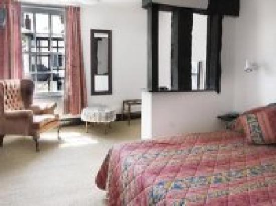 Cain Valley Hotel: Double Room