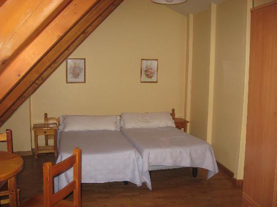 Apartamentos la Solana: habitacion