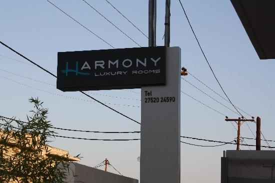 Harmony Luxury Rooms : Hotel Sign