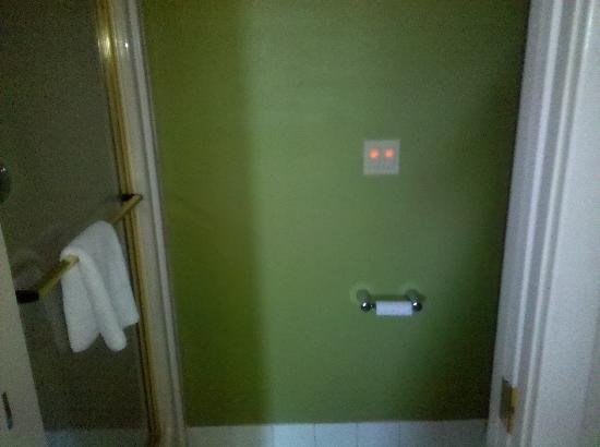 Sleep Inn: Bathroom, same color