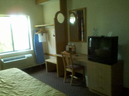 Sleep Inn : Sorry it's a bit grainy; didn't have a great cellphone camera.  You can see the basic furnishing