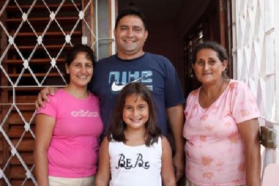 Casa Particular Ridel y Claribel: La familia - Claribel, Ridel, Laura, Maria