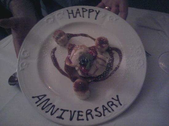 Highfield Restaurant: Husbands dessert