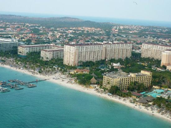 Marriott's Aruba Surf Club: Holte Marriott Surf Club desde el helicoptero