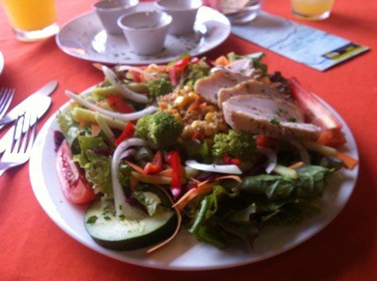Restaurante El Garaje: bulgar wheat chicken salad