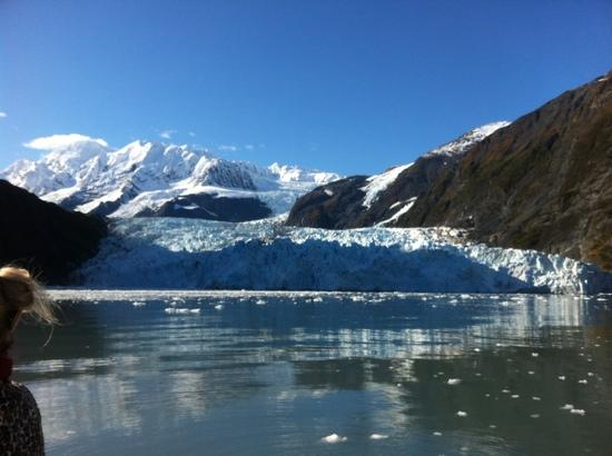 Phillips Cruises and Tours: one glacier view