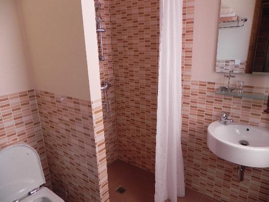 Boabdil Guesthouse: Bathroom