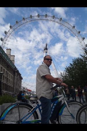 เบรคอะเวย์ ไบค์ทัวร์: London Eye