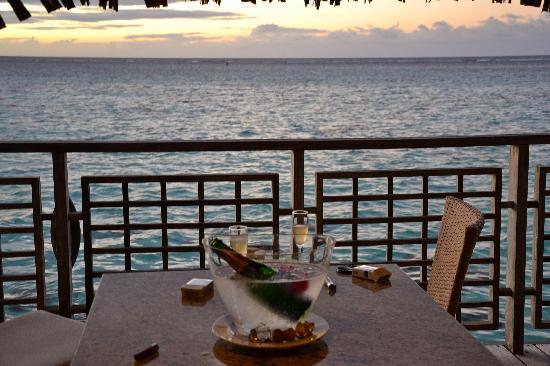 Hilton Moorea Lagoon Resort & Spa: Champagne pour notre arrivée