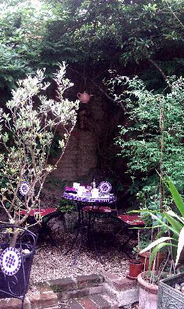 The Courtyard Tea Rooms: gorgeous courtyard