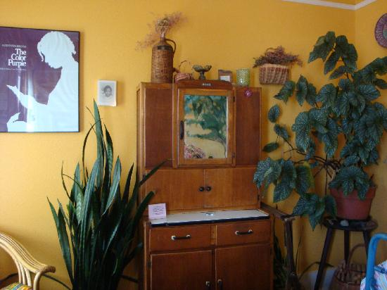 Sylvia Beach Hotel: The Alice Walker room