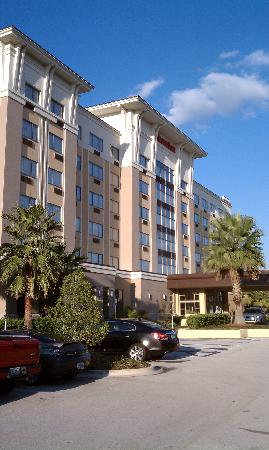 Sheraton Jacksonville: Front of the hotel