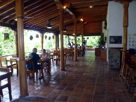 Ian Anderson's Caves Branch Jungle Lodge: Dining hall