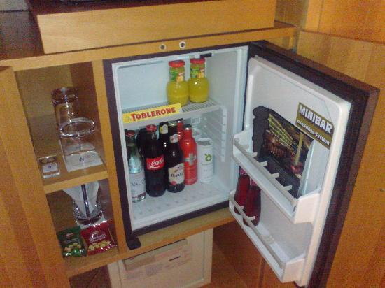 Widder Hotel: free minibar, but a bottle of wine would have been nice