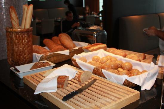 ฮิลตัน เรกยาวิก นอร์ดิกา: Breakfast buffet at Hilton Vox