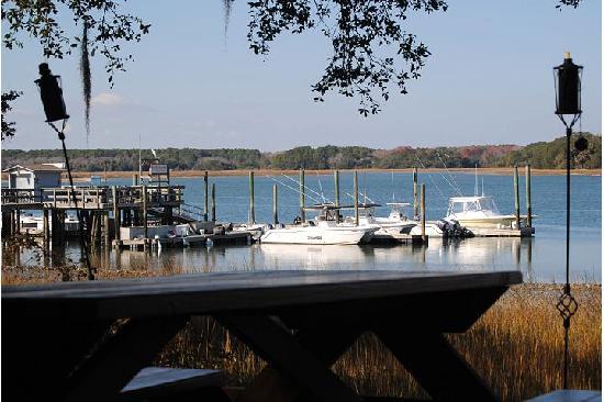 The Skull Creek Boathouse: Skull Creek Marina