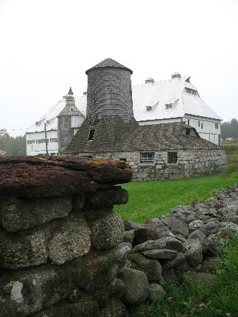 Minister's Island : The creamery and barn