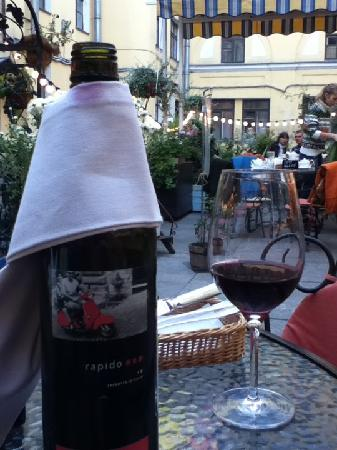 Teplo: Wine on the terrace