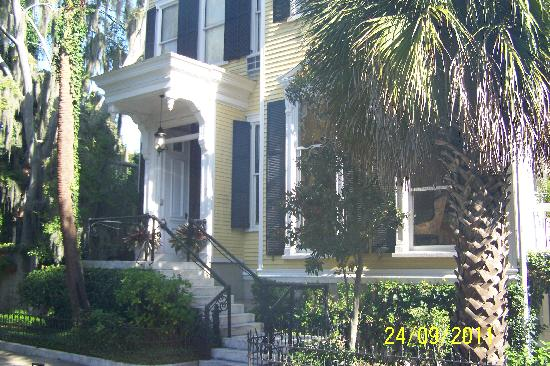 Forsyth Park Inn: Front of the house