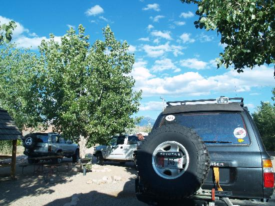 Moab KOA Campground: very tight parking