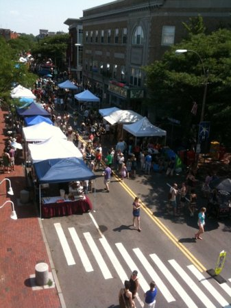 Davis Square: art beat
