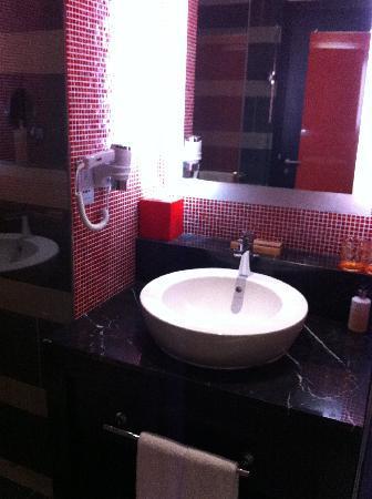 รีสอร์ท เวิร์ลด์ เซ็นโตซ่า-โรงแรม เฟสทีฟ: Bathroom