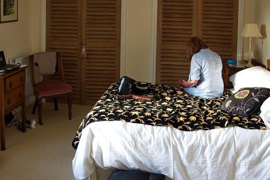 Menkee Barns: The bedroom