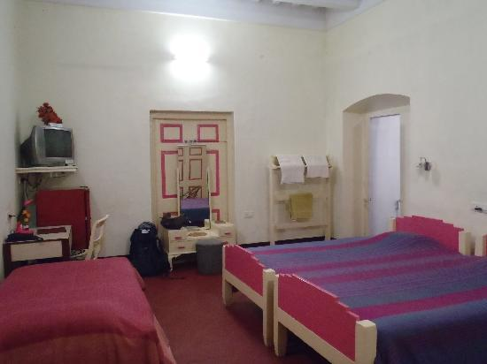 Photo of Fairlawn Hotel Kolkata (Calcutta)