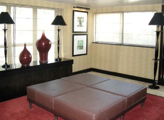 """โซฟิเทลลิบอนลิเบอเดดโฮเตล: Little """"lobby"""" on 6th floor"""